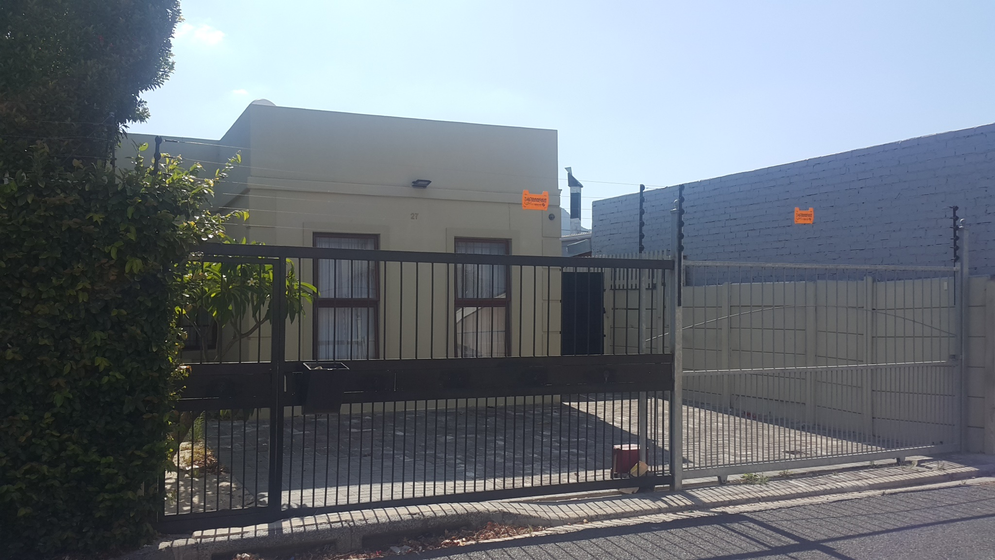 2 bedroom semi – Rondebosch East    R1 550 000