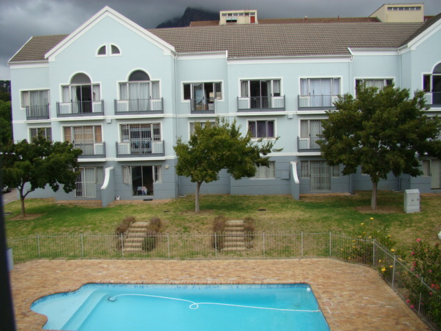 Fully furnished 1 bedroom loft apartment – Observatory R8 900