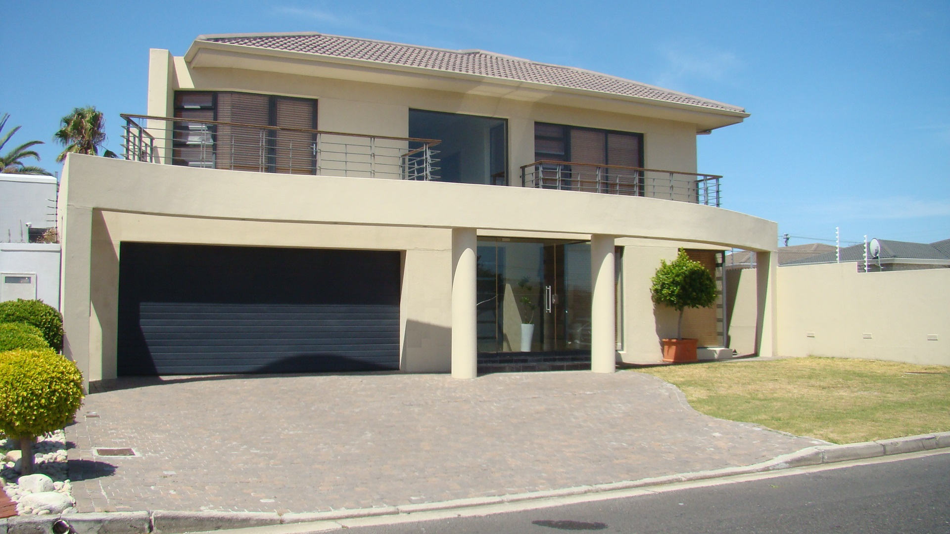 5 Bedroom Double Storey-Rokeby Rd, Crawford     R4.8 Million