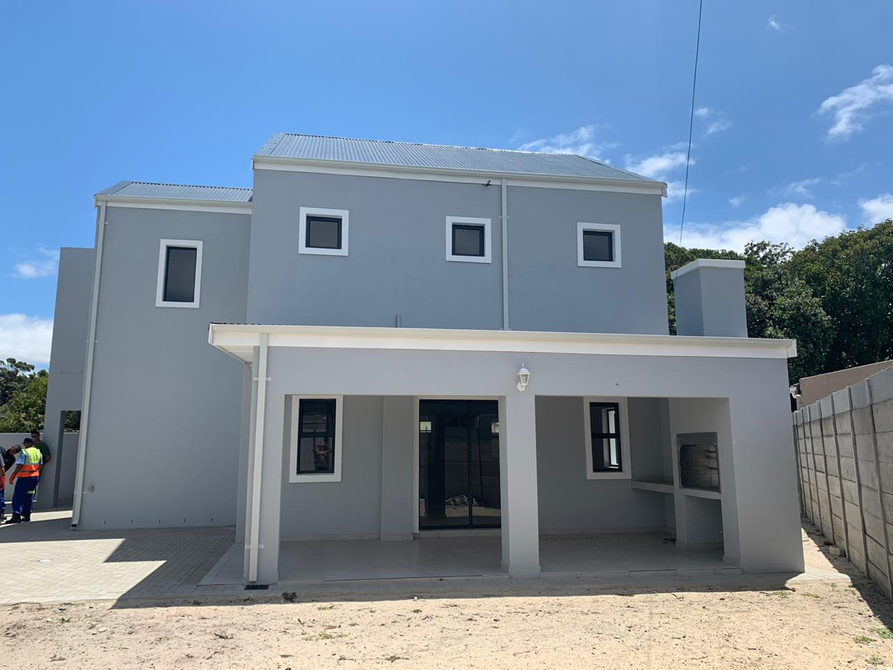 4 Bedroom Double Storey – Ottery     R2 390 000