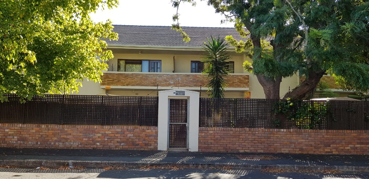 2 bedroom flat – Kenilworth 	R9750.00